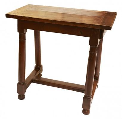 petite_table1.jpg