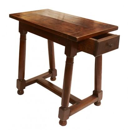 petite_table2.jpg